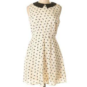 One clothing size medium collar dress